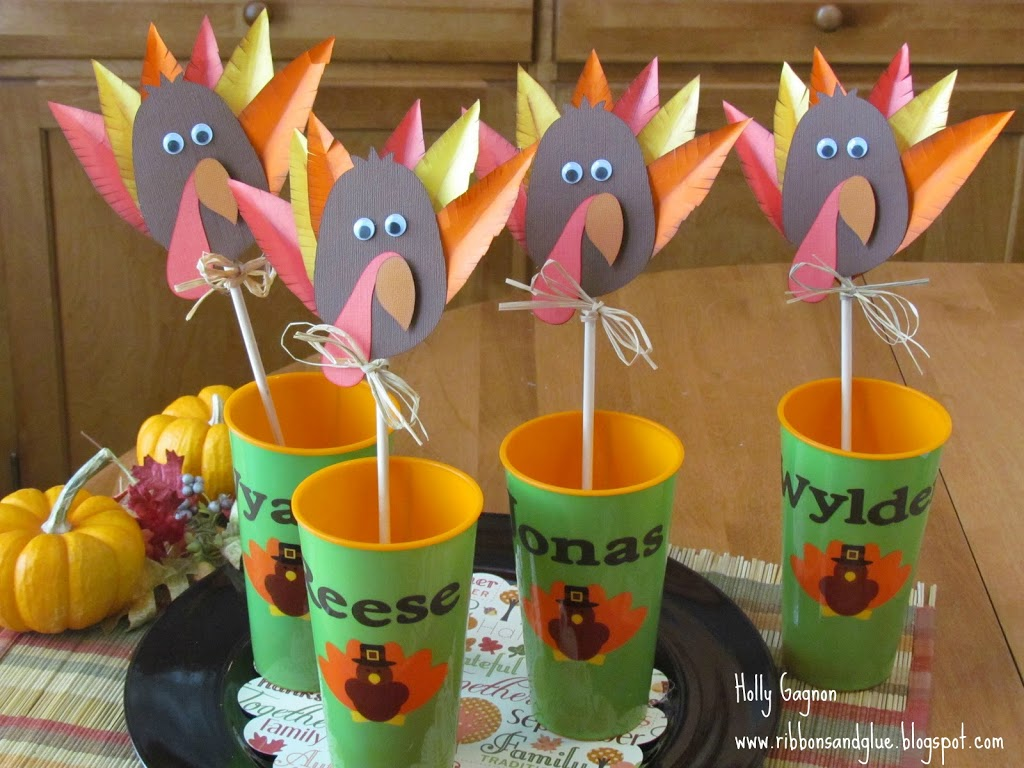 Thanksgiving Turkey Decorations for the Kids Table made with Circut and vinyl. So cute and fun!