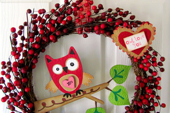 Valentine's Owl Love You Wreath
