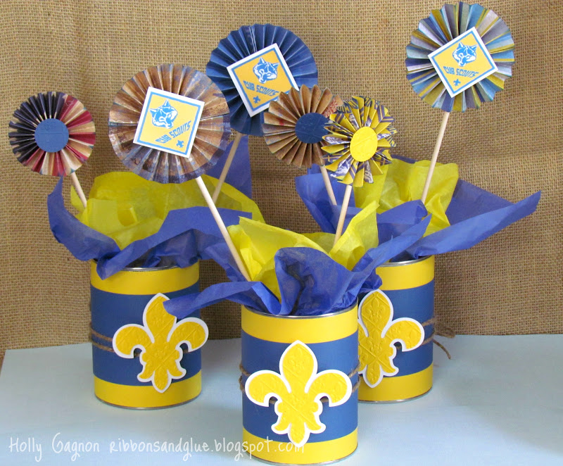 DIY Cub Scout Blue and Gold Centerpieces made from upcycled coffee cans and scrapbooking paper