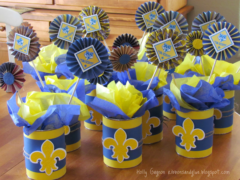 Cub Scout Blue and Gold Banquet Centerpiecess made from upcycled coffee cans and scrapbooking paper