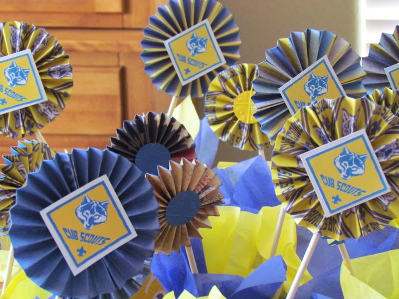 DIY Blue and Gold Banquet Rosettes