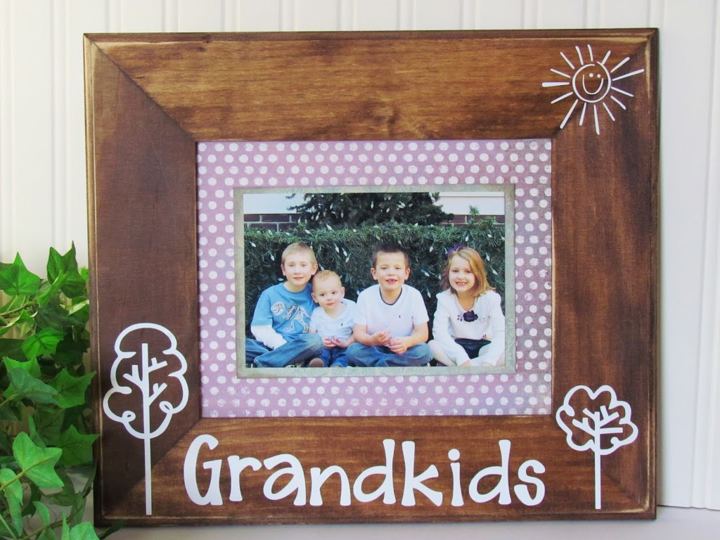 Picture Frame with Vinyl Lettering made with Silhouette