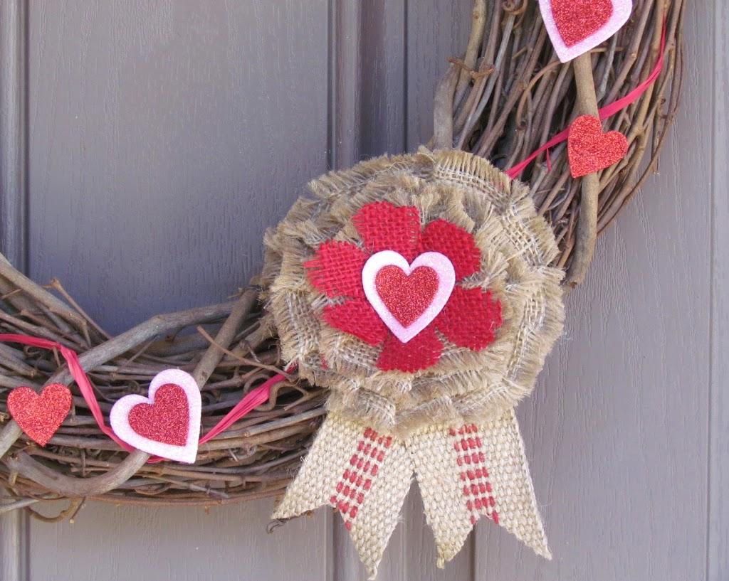 Jut Webbing Valentines Wreath