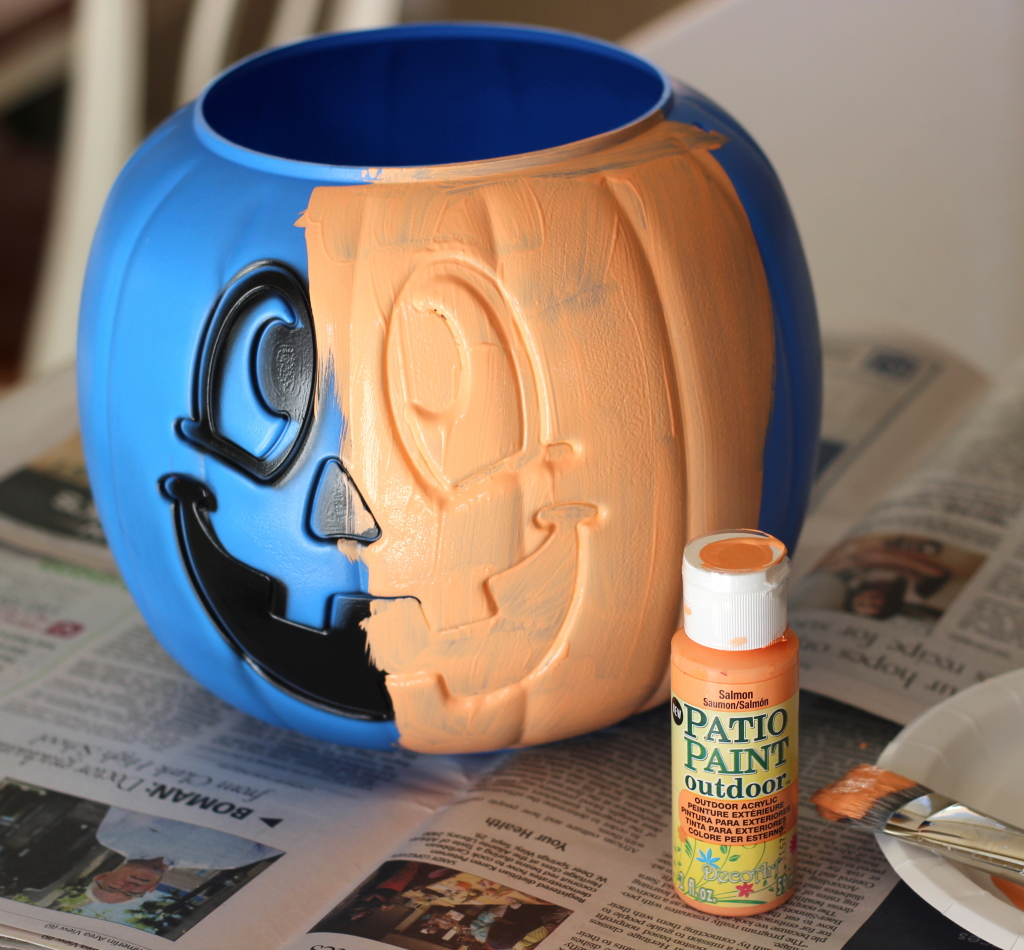 Painted Plastic Pumpkin with @decoart paints
