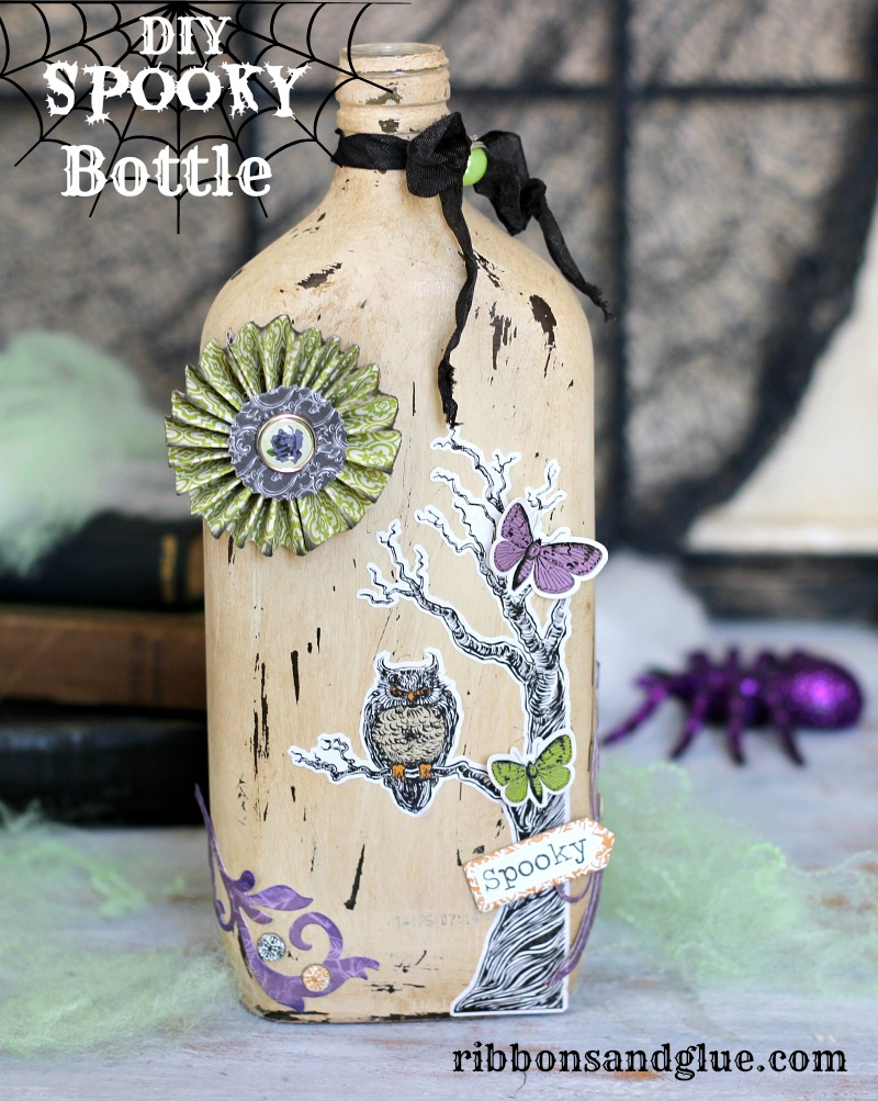 DIy Spooky Bottle made with @echoparkpaper Arsenic & Lace kit and @decoart Chalky Finish paints by @ribbonsandglue