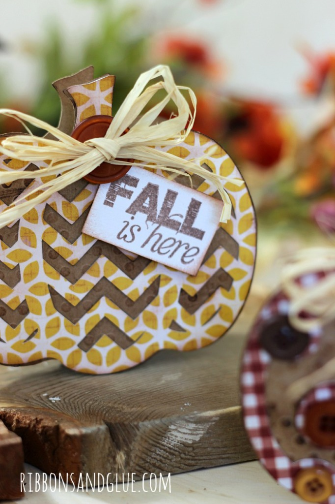 Fall Pumpkin Cards made with pumpkin die cut chapes