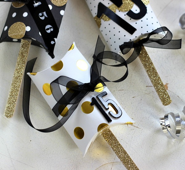 DIY New Year's Eve Shakers made from Pillow Boxes
