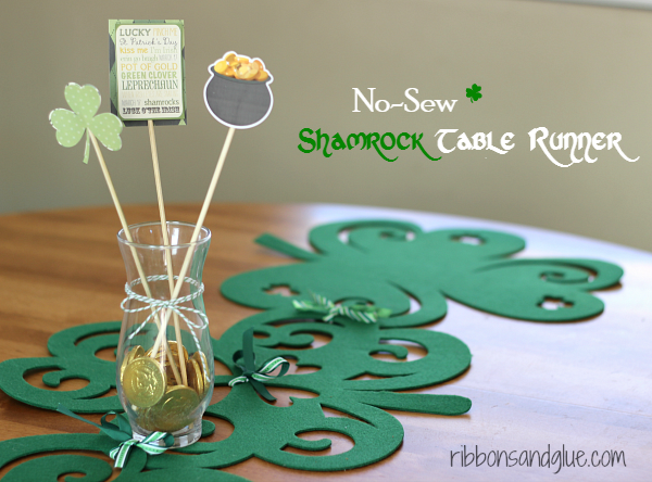 "How to make a ""No Sew"" Shamrock Table Runner St. Patrick's Day"