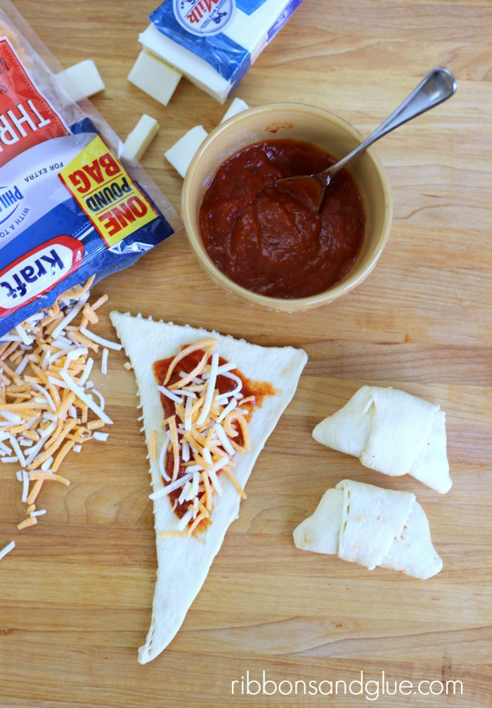 How to make Triple Cheese Pizza Croissants. Quick and easy meal the kids all love.