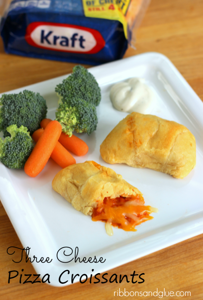 These Three Cheese Pizza Croissants are a quick and easy meal the kids will always love. #NaturallyCheesy #ad