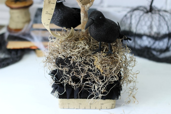Black Crows from Dollar Store as Halloween Centerpiece