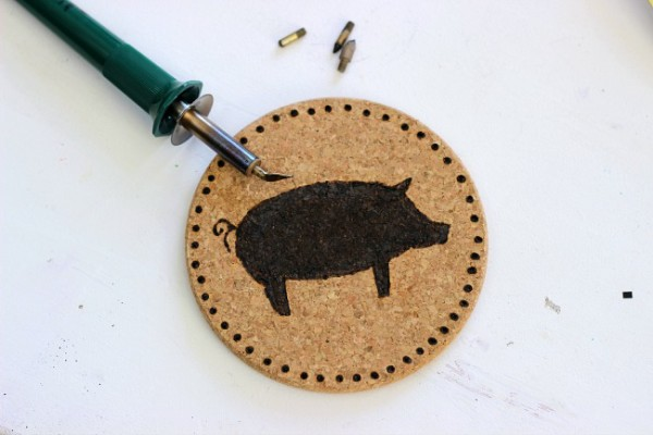 Use different wood burning tool tips to color and shade in images. Love the Pig!