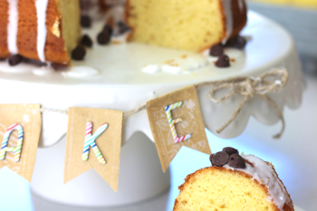 Easy Banana Bundt Cake with Cake Plate Banner