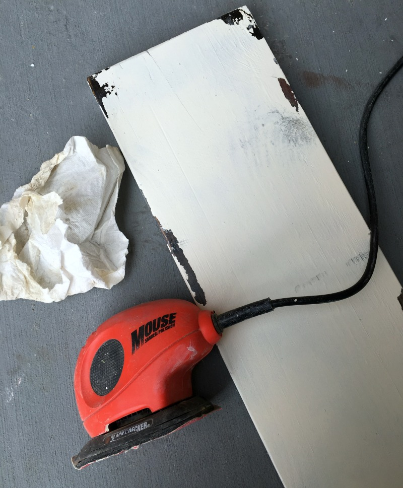Use an electric sander to make a Rustic, Chippy Wood Sign