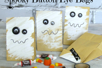 Spooky Button Eyes Treat Bags.