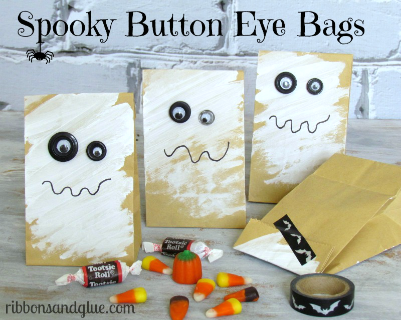 Button Eye Halloween Treat Bags. So easy to make and fun for Halloween