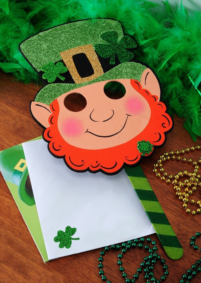 Lucky Wood Projects Ideas for St. Patrick's Day- Wood Leprechaun Mask
