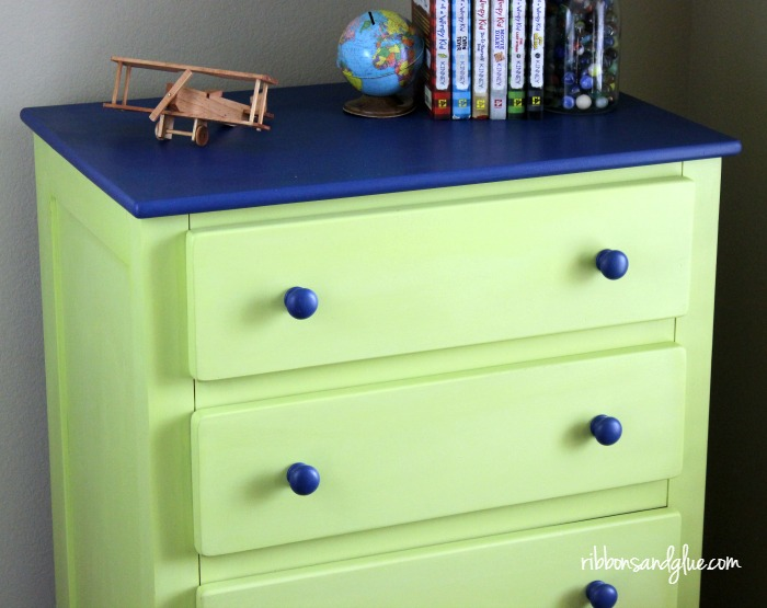 Easy Dresser Makeover using chalk paint.. Kid Boy Room updated to Tween Room by painting furniture two toned