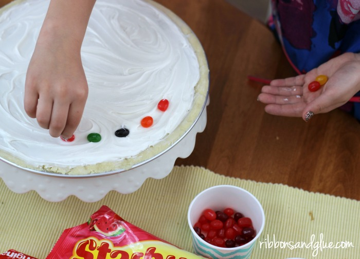 Decorate a Jellybean Dessert Pizza for Easter