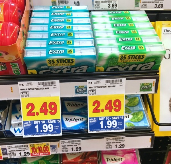 Extra® Gum Spearmint 35-stick package and Extra® Gum Polar Ice® 35-stick package of gum found at Kroger. #GIVEEXTRAGETEXTRA, #Kroger