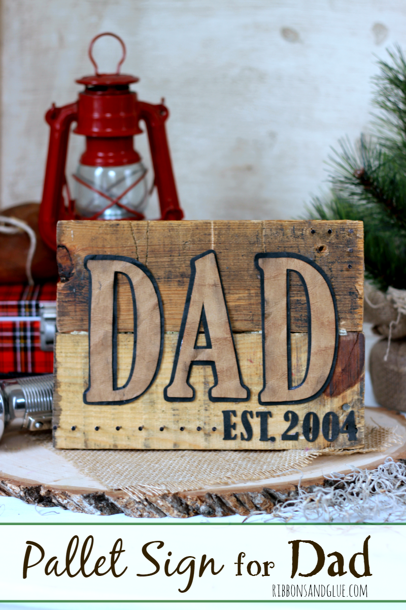 How to make a rustic DIY Pallet Wood Sign for Dad for Father's Day personalized with faux leather paper
