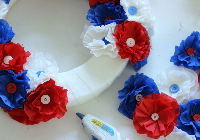 How to make a crepe Paper Flower Wreath