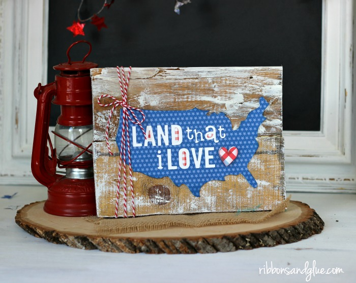 How to make a Patriotic Pallet Sign from scrap pallet wood and Patriotic paper cut with Silhouette CAMEO. Easy, rustic pallet sign project for July 4th.