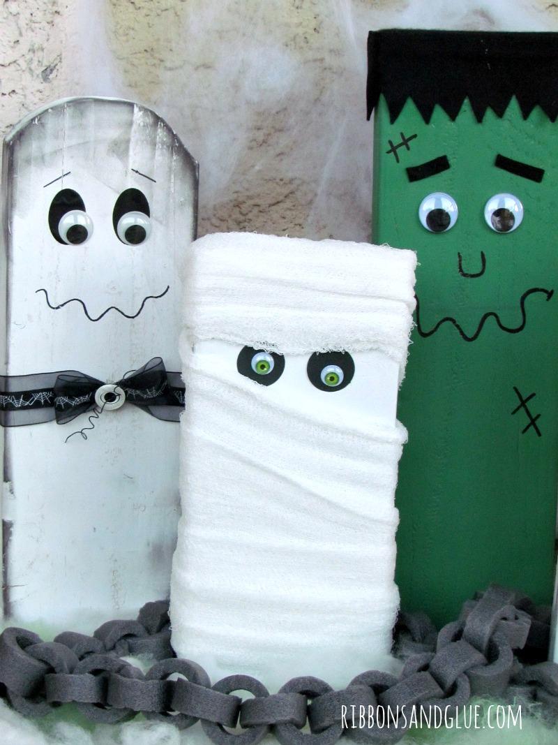 Wood Block Halloween Family