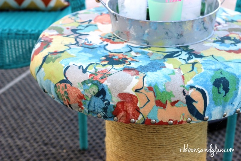 Create an DIY Outdoor Spool Table or Stool easily out of a Wood Spool