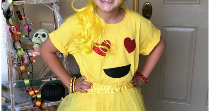 Easy Emoji Halloween Costume