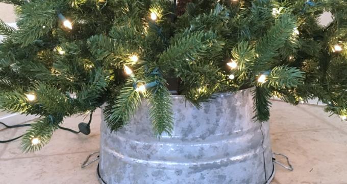 DIY Galvanized Bucket Christmas Tree Skirt