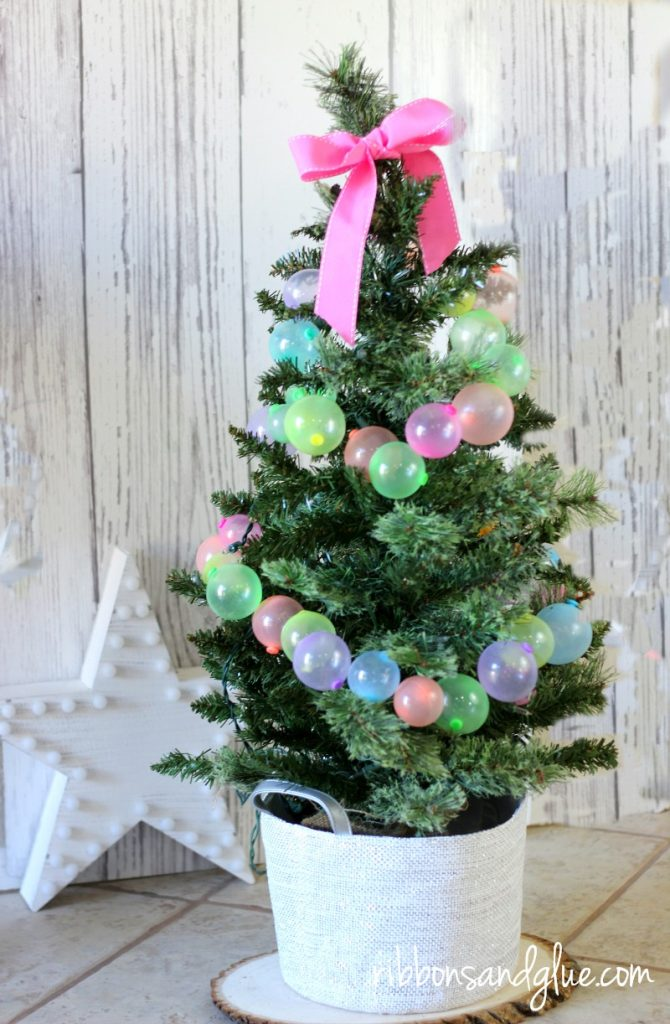 Christmas Decorating Fun with Oonies. Oonies Christmas Tree Garland